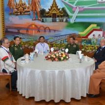 တပ်မတော်ကာကွယ်ရေးဦးစီးချုပ် ဗိုလ်ချုပ်မှူးကြီး မင်းအောင်လှိုင်အား နိုင်ငံရေးပါတီ ၃၂ ပါတီမှ ပါတီဥက္ကဋ္ဌများ၊ ဒုတိယဥက္ကဋ္ဌများလာရောက်မိတ်ဆက်တွေ့ဆုံ(ရုပ်သံသတင်း)