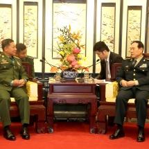 တပ္မေတာ္ကာကြယ္ေရးဦးစီးခ်ဳပ္ ဗုိလ္ခ်ဳပ္မွဴးႀကီး မင္းေအာင္လႈိင္ တ႐ုတ္ျပည္သူ႕ သမၼတႏုိင္ငံ၊ ဗဟုိစစ္ေကာ္မရွင္အဖြဲ႕၀င္ႏွင့္ ကာကြယ္ေရး၀န္ႀကီးျဖစ္သူ Gen. Wei Fenghe ႏွင့္ေတြ႕ဆုံေဆြးေႏြး