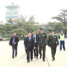 တပ်မတော်ကာကွယ်ရေးဦးစီးချုပ် ဗိုလ်ချုပ်မှူးကြီးမင်းအောင်လှိုင်ဦးဆောင်သည့် မြန်မာ့တပ်မတော် ချစ်ကြည်ရေးကိုယ်စားလှယ်အဖွဲ့အန်ရွှမ်းမြို့သို့ ရောက်ရှိလေ့လာ (ရုပ်သံသတင်း)