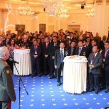 ရုရှားနိုင်ငံတွင် ဘွဲ့လွန်သင်တန်း၊ ပါရဂူသင်တန်းနှင့် Doctor of Science သင်တန်းများ တက်ရောက်နေသည့် သင်တန်းသားအရာရှိများအား တွေ့ဆုံအမှာစကားပြောကြား ၊ Zvezda ရုပ်သံဌာနနှင့် Russia Today သတင်းဌာန၏မေးမြန်းမှုများဖြေကြား၊ ရုရှားဖက်ဒရေးရှင်းနိုင်ငံ၊ ကာကွယ်ရေးဝန်ကြီးဌာန၊ ဒုတိယဝန်ကြီးက တည်ခင်းဧည့်ခံသည့်ညစာစားပွဲ အခမ်းအနားသို့တက်ရောက် (ရုပ်သံသတင်း)