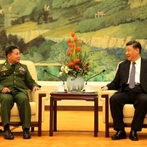 တပ္မေတာ္ကာကြယ္ေရးဦးစီးခ်ဳပ္ ဗုိလ္ခ်ဳပ္မွဴးႀကီး မင္းေအာင္လႈိင္ တ႐ုတ္ျပည္သူ႕သမၼတႏုိင္ငံ သမၼတ Mr. Xi Jinping ႏွင့္ ေတြ႕ဆုံေဆြးေႏြး