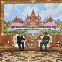 Senior General Min Aung Hlaing receives Ambassador of Laos to Myanmar H.E. Mr. Heuangseng Khamdalavong