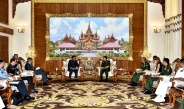 Senior General Min Aung Hlaing receives Indian Defence Secretary