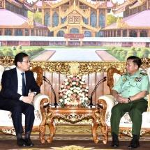 တပ်မတော်ကာကွယ်ရေးဦးစီးချုပ် ဗိုလ်ချုပ်မှူးကြီး မင်းအောင်လှိုင် မြန်မာနိုင်ငံဆိုင်ရာ တရုတ်နိုင်ငံသံ အမတ်ကြီး H.E. Mr. Hong Liang အားလက်ခံတွေ့ဆုံ