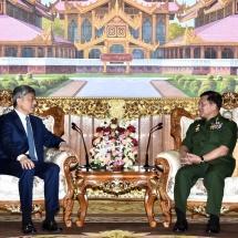 တပ်မတော်ကာကွယ်ရေးဦးစီးချုပ် ဗိုလ်ချုပ်မှူးကြီး မင်းအောင်လှိုင် မြန်မာနိုင်ငံဆိုင်ရာ တရုတ်နိုင်ငံသံ အမတ်ကြီး H. E. Mr. Chen Hai အားလက်ခံတွေ့ဆုံ