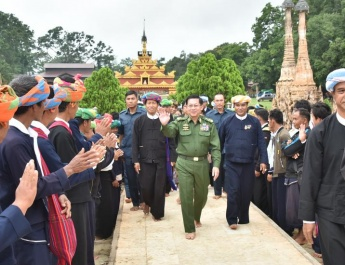 Senior General Min Aung Hlaing visits ancient historical Mwedaw Katku Pagoda, discusses regional development undertakings in meeting with local people