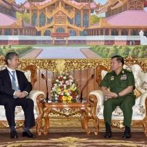 တပ်မတော်ကာကွယ်ရေးဦးစီးချုပ် ဗိုလ်ချုပ်မှူးကြီး မင်းအောင်လှိုင် တရုတ်နိုင်ငံ ကာကွယ်ရေး၊ စက်မှုလက်မှုသိပ္ပံနှင့် နည်းပညာဌာန ဒုတိယအကြီးအကဲ ဖြစ်သူ Mr. Xu Zhanbin အား လက်ခံတွေ့ဆုံ