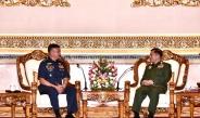 တပ္မေတာ္ကာကြယ္ေရးဦးစီးခ်ဳပ္ ဗုိလ္ခ်ဳပ္မွဴးႀကီး မင္းေအာင္လႈိင္ ဖိလစ္ပုိင္ေလတပ္ဦးစီးခ်ဳပ္ Lt. Gen. ROZZANO D BRIGUEZ AFP အား လက္ခံေတြ႕ဆုံ