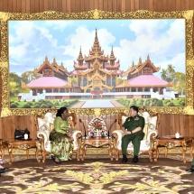 တပ်မတော်ကာကွယ်ရေးဦးစီးချုပ် ဗိုလ်ချုပ်မှူးကြီး မင်းအောင်လှိုင် မြန်မာနိုင်ငံဆိုင်ရာ ဂါနာနိုင်ငံသံအမတ်ကြီး H. E. Ms. Akua Sekyiwa Ahenkora အားလက်ခံတွေ့ဆုံ