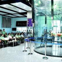 တပ္မေတာ္ကာကြယ္ေရးဦးစီးခ်ဳပ္ ဗုိလ္ခ်ဳပ္မွဴးႀကီး မင္းေအာင္လႈိင္ Indoor Skydiving တြင္ အလြတ္ခုန္ ေလထီး (အမ်ိဳးသမီး)သင္တန္းအမွတ္စဥ္(၁)မွ အရာရွိ၊ စစ္သည္မ်ား ခႏၶာကုိယ္အေနအထား ထိန္းသိမ္းျခင္း ေလ့က်င့္ ခန္း ေလ့က်င့္ေနမႈအားသြားေရာက္ ၾကည့္႐ႈစစ္ေဆး  ေနျပည္ေတာ္၊ ဇြန္ ၂၅