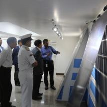 တပ္မေတာ္ကာကြယ္ေရးဦးစီးခ်ဳပ္ ဗုိလ္ခ်ဳပ္မွဴးႀကီး မင္းေအာင္လႈိင္ ဦးေဆာင္ေသာ ျမန္မာ့တပ္မေတာ္ခ်စ္ၾကည္ေရးကိုယ္စားလွယ္အဖဲြ႕ မြန္ဒရာၿမို့ရွိ Adani Ports and Logistics ႏွင့္ SEZ & Solar Panel Manufacturing Unit သုိ့သြားေရာက္ေလ့လာ(႐ုပ္သံသတင္း)