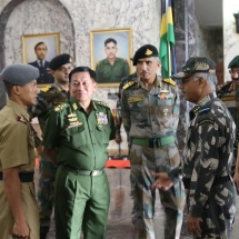 မြန်မာ့တပ်မတော်ချစ်ကြည်ရေးကိုယ်စားလှယ်အဖွဲ့ ဗီဇာကာပတ်တနန်မြို့မှ ပူနေးမြို့ရှိ National Defence Academy (NDA) သို့ ရောက်ရှိလေ့လာ