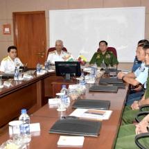 တပ်မတော်ကာကွယ်ရေးဦးစီးချုပ် ဗိုလ်ချုပ်မှူးကြီး မင်းအောင်လှိုင် အား အိန္ဒိယအရှေ့ပိုင် ရေတပ်ကွပ်ကဲမှုဌာနချုပ်မှူးက ဂုဏ်ပြုကြိုဆို၊ တွေ့ဆုံဆွေးနွေး၊ Bharat Dynamics Limited နှင့် Thotlakonda Buddhist Complex များသို့ သွားရောက် လေ့လာ(ရုပ်သံသတင်း)