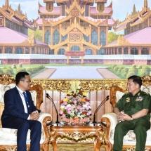 တပ်မတော်ကာကွယ်ရေးဦးစီးချုပ် ဗိုလ်ချုပ်မှူးကြီး မင်းအောင်လှိုင် မြန်မာနိုင်ငံဆိုင်ရာ ကမ္ဘောဒီးယား နိုင်ငံသံအမတ်ကြီးအား လက်ခံတွေ့ဆုံ