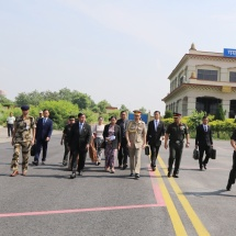 တပ်မတော်ကာကွယ်ရေးဦးစီးချုပ် ဗိုလ်ချုပ်မှူးကြီးမင်းအောင်လှိုင် ဦးဆောင်သည့် မြန်မာ့တပ်မတော် ချစ်ကြည်ရေးကိုယ်စားလှယ်အဖွဲ့ အိန္ဒိယသမ္မတနိုင်ငံမှ ပြန်လည်ရောက်ရှိ(ရုပ်သံသတင်း)
