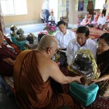 မြန်မာ့တပ်မတော်ချစ်ကြည်ရေးကိုယ်စားလှယ်အဖွဲ့ ဂယာမြို့ရှိ ဗုဒ္ဓ ဥယျာဉ်တော်အတွင်းလှည့်လည် ကြည်ညို၊ သံဃာတော်များအား ဝါဆိုသင်္ကန်း ဆက်ကပ်လှူဒါန်း၊ ရာဇဂြိုလ်သို့သွားရောက်လေ့လာ ကြည်ညို