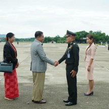 တပ်မတော်ကာကွယ်ရေးဦးစီးချုပ် ဗိုလ်ချုပ်မှူးကြီး မင်းအောင်လှိုင် ဦးဆောင်သည့် မြန်မာ့တပ်မတော် ကိုယ်စားလှယ်အဖွဲ့ Kanchanaburi  ခရိုင်အတွင်းရှိ အထင်ကရနေရာများ သို့ သွားရောက်လေ့လာ
