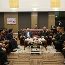 တပ်မတော်ကာကွယ်ရေးဦးစီးချုပ် ဗိုလ်ချုပ်မှူးကြီး မင်းအောင်လှိုင် သတ္တမအကြိမ်မြောက် ထိုင်း-မြန်မာ အဆင့်မြင့်အရာရှိကြီးများအစည်းအဝေး (7th HLC Meeting) တက်ရောက်ရန်ထွက်ခွာ(ရုပ်သံသတင်း)