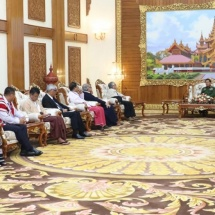 Senior General Min Aung Hlaing receives representatives of ethnic armed organizations,the signatories to NCA