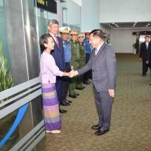Senior General Min Aung Hlaing leaves Yangon International Airport to attend Defense & Security 2019 of ASEAN countries, ADMM-Plus (VIP Program)