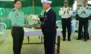 Senior General Min Aung Hlaing cordially meets local people in Naungtaya