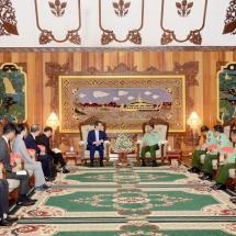 တပ်မတော်ကာကွယ်ရေးဦးစီးချုပ် ဗိုလ်ချုပ်မှူးကြီး မင်းအောင်လှိုင် ဂျပန်နိုင်ငံ၊ အထက်လွှတ်တော်အမတ်နှင့် ညွန့်ပေါင်းအစိုးရအဖွဲ့မှ Komeito ပါတီဥက္ကဋ္ဌနှင့်အဖွဲ့အား လက်ခံတွေ့ဆုံ