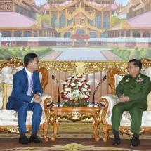 တပ်မတော်ကာကွယ်ရေးဦးစီးချုပ် ဗိုလ်ချုပ်မှူးကြီး မင်းအောင်လှိုင် မြန်မာနိုင်ငံဆိုင်ရာ ကမ္ဘောဒီးယားနိုင်ငံ သံအမတ်ကြီးအား လက်ခံတွေ့ဆုံ(ရုပ်သံသတင်း)