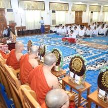 တပ်မတော်(ကြည်း၊ရေ၊လေ)မိသားစုများက မြန်မာနိုင်ငံလုံးဆိုင်ရာ ဗုဒ္ဓတက္ကသိုလ်များ အတွက် နဝကမ္မ အလှူတော်ငွေများနှင့် သီတဂူရေအလှူတော်အလှူငွေများ ဆက်ကပ် လှူဒါန်း(ရုပ်သံသတင်း)