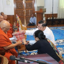 Families of Tatmadaw (Army, Navy and Air) donate cash for nine prerequisites for Buddhist Academies of Myanmar, for Sitagu water donations