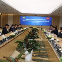 တပ်မတော်ကာကွယ်ရေးဦးစီးချုပ် ဗိုလ်ချုပ်မှူးကြီး မင်းအောင်လှိုင် ဦးဆောင်သည့် မြန်မာ့တပ်မတော် ကိုယ်စားလှယ်အဖွဲ့ Viettel Group သို့သွားရောက်လေ့လာ