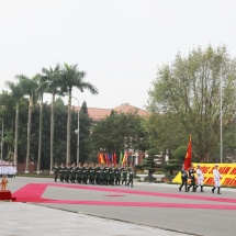 CHIEF OF GENERAL STAFF OF VIETNAM PEOPLE'S ARMY WELCOMES SENIOR GENERAL MIN AUNG HLAING, HOLDS TALKS