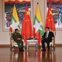 တပ်မတော်ကာကွယ်ရေးဦးစီးချုပ် ဗိုလ်ချုပ်မှူးကြီး မင်းအောင်လှိုင် သမ္မတ H.E.Mr.Xi Jinping နှင့် တွေ့ဆုံ ဆွေးနွေး