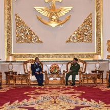 တပ်မတော်ကာကွယ်ရေးဦးစီးချုပ် ဗိုလ်ချုပ်မှူးကြီး မင်းအောင်လှိုင် ထိုင်းဘုရင့်လေတပ်ဦးစီးချုပ်အား လက်ခံ တွေ့ဆုံ