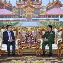 တပ်မတော်ကာကွယ်ရေးဦးစီးချုပ် ဗိုလ်ချုပ်မှူးကြီး မင်းအောင်လှိုင် မြန်မာနိုင်ငံဆိုင်ရာ ဗီယက်နမ် နိုင်ငံသံအမတ်ကြီးအား လက်ခံတွေ့ဆုံ