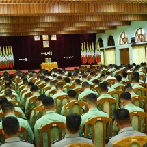 Senior General Min Aung Hlaing meets senior officer instructors and senior officer trainees from Command and General Staff College