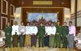 ပ်မတော်ကာကွယ်ရေးဦးစီးချုပ် ဗိုလ်ချုပ်မှူးကြီး မင်းအောင်လှိုင် ရန်ကုန်တိုင်းဒေသကြီး အစိုးရအဖွဲ့မှ ရခိုင် တိုင်းရင်းသားရေးရာဝန်ကြီး ဦးဆောင်သော စစ်တွေမြို့ရပ်မိရပ်ဖများအား လက်ခံတွေ့ဆုံ (ရုပ်သံသတင်း)