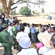 Senior General Min Aung Hlaing observes regional development undertakings in Ngathayauk Town and surrounding villages in NyaungU Township, cordially meets local people