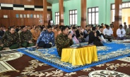 Ceremony to donate heat resistant tiles by families of Tatmadaw (Army, Navy and Air) to Inlay PhaungdawU Pagoda, merit-sharing ceremony takes place