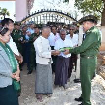 တပ်မတော်ကာကွယ်ရေးဦးစီးချုပ် ဗိုလ်ချုပ်မှူးကြီး မင်းအောင်လှိုင် ညောင်ဦးမြို့နယ်၊ ငါ့သရောက်မြို့နှင့်ပတ်ဝန်းကျင်ကျေးရွာများ၌ ဒေသဖွံ့ဖြိုးရေးဆိုင်ရာဆောင်ရွက်ပေးနေမှုများအား သွားရောက်ကြည့်ရှု၊ ဒေသခံများအား ရင်းရင်းနှီးနှီးတွေ့ဆုံ (ရုပ်သံသတင်း)