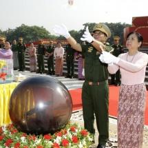 (၇၅)နှစ်မြောက် စိန်ရတုတပ်မတော်နေ့အထိမ်းအမှတ်ဇီဝိတဒါနငှက်လွှတ်ပွဲ အခမ်းအနား ကျင်းပ