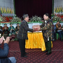Senior General Min Aung Hlaing cordially meets local people from Haka