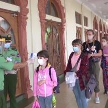 တပ်မတော်ကာကွယ်ရေးဦးစီးချုပ် ဗိုလ်ချုပ်မှူးကြီး မင်းအောင်လှိုင်၏ ယနေ့ ရုရှားနိုင်ငံခရီးစဉ် အတွင်း မြန်မာနိုင်ငံတွင် ပိတ်မိနေသော ရုရှားနိုင်ငံသား ၁၉ ဦး အား လေယာဉ်နှင့် အတူ ခေါ်ဆောင်