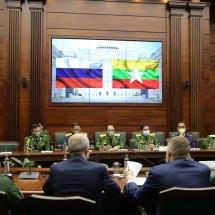 """တပ်မတော်ကာကွယ်ရေးဦးစီးချုပ် ဗိုလ်ချုပ်မှူးကြီး မင်းအောင်လှိုင်အား ရုရှားဖက်ဒရေး ရှင်းနိုင်ငံ၊ ကာကွယ်ရေးဝန်ကြီးဌာနမှ """"စစ်ဘက်ဆိုင်ရာပူးပေါင်းဆောင်ရွက်မှု တည်တံ့ ခိုင်မြဲရေး"""" ဂုဏ်ထူးဆောင်တံဆိပ် ပေးအပ်ချီးမြှင့်"""