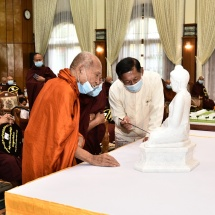 Families of Office of the Commander-in-Chief (Army, Navy and Air)hold Waso robe offering ceremony for 2020