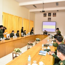 Senior General Min Aung Hlaing inspects military hospital in Aungban Station
