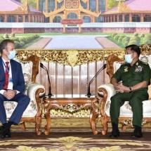 တပ်မတော်ကာကွယ်ရေးဦးစီးချုပ် ဗိုလ်ချုပ်မှူးကြီး မင်းအောင်လှိုင် မြန်မာနိုင်ငံဆိုင်ရာ နယ်သာလန်နိုင်ငံ သံအမတ်ကြီး H.E. Mr. Wouter Jurgens အားလက်ခံတွေ့ဆုံ