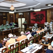 Senior General Min Aung Hlaing cordially meets ethnic representatives from Pa-O and Danu Self-Administered Zones and Inlay Region, and members of Shan literature and culture troupes, donates supplies and hospital equipment for prevention, control and treatment of COVID-19