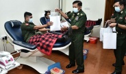 Senior General Min Aung Hlaing encourages collective blood donation of officers, other ranks from Yangon Command area at National Blood Centre (Yangon), participates in blood donation together with senior military officers