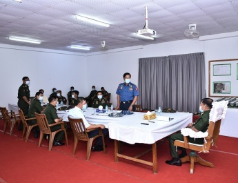တပ်မတော်ကာကွယ်ရေးဦးစီးချုပ် ဗိုလ်ချုပ်မှူးကြီး မင်းအောင်လှိုင် မြန်မာ့သားကောင်းစစ်မှုထမ်းဟောင်းအိမ်ရာ(လေးထောင့်ကန်)တည်ဆောက်နေမှုအခြေအနေများအား သွားရောက်ကြည့်ရှုစစ်ဆေး