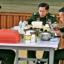 Senior General Min Aung Hlaing attends ceremony of choice of military arms for 63rd Intake of DSA, takes part in selection process